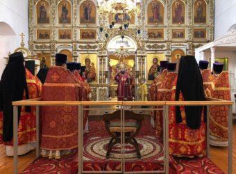 Божественная Литургия в Спасо-Преображенском соборе г.Рославля