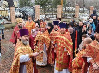 Преосвященный Мелетий совершил Божественную Литургию в храме святаго мученика Вонифатия Тарсийского в д. Лосня