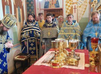 Божественная Литургия в день Тихвинской иконы Божией Матери в Спасо-Преображенском соборе г.Рославля